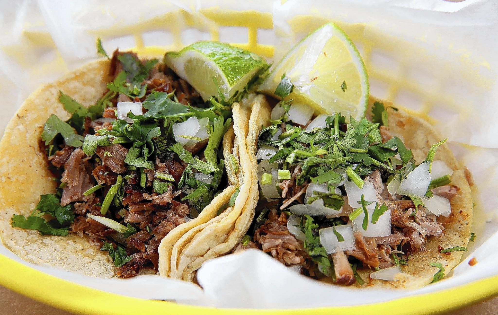 Platillo Típico - Tacos de Carnitas
