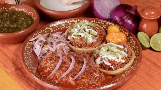 Cochinita Pibil Platillo Típico de Yucatán