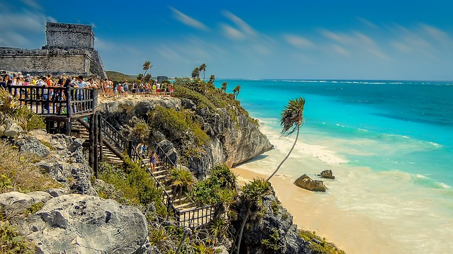 Tulum between Mayan Ruins and Cenotes