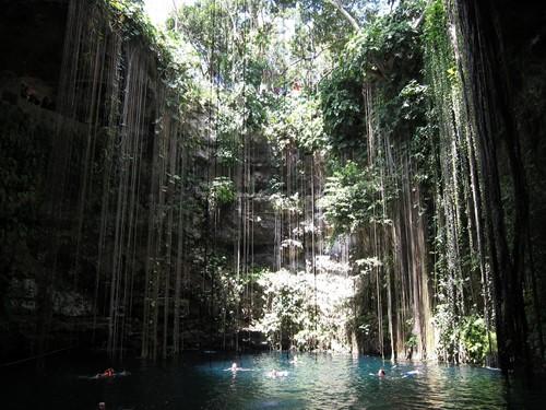 Cenote en Cancún Quintana Roo