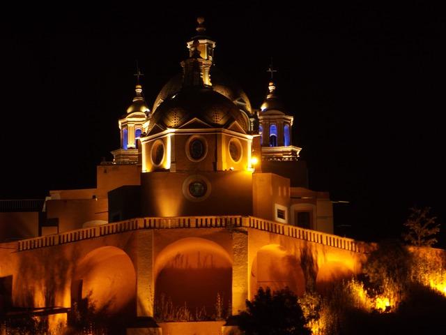 Cholula, un pueblo mágico lleno de iglesias